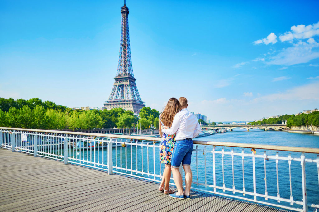 A Visitors Guide to Paris - A travel guide for Frances romantic capital